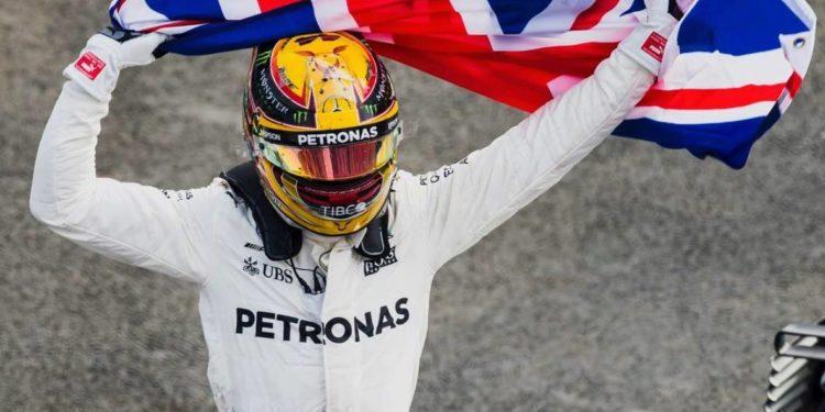 Brit a Mercedes je spojení, které se neroztrhne