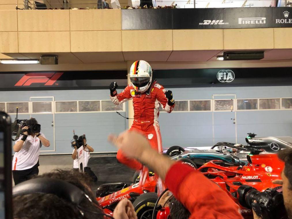 Sebastian Vettel pokračuje v parádním startu sezóny