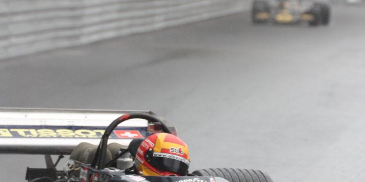 Bývalý pilot F1 Alex Caffi neměl roku 2018 štěstí: Honička za obhajobou triumfu z roku 2016 skončila ulomeným závěsem jeho Ensignu