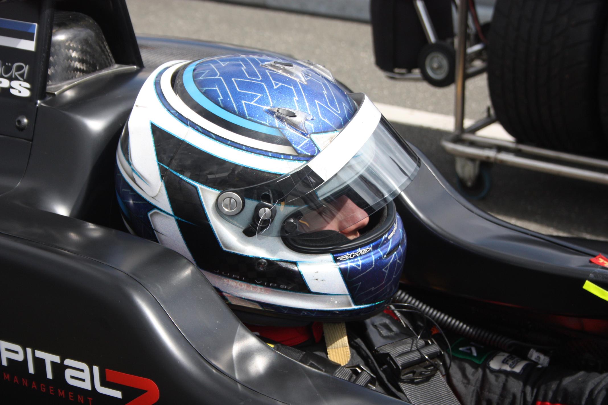Z velkého úspěchu se mohl radovat i Juri Vips, úřadující mistr německé F4: V neděli vyhrál svůj první závod Formule 3!