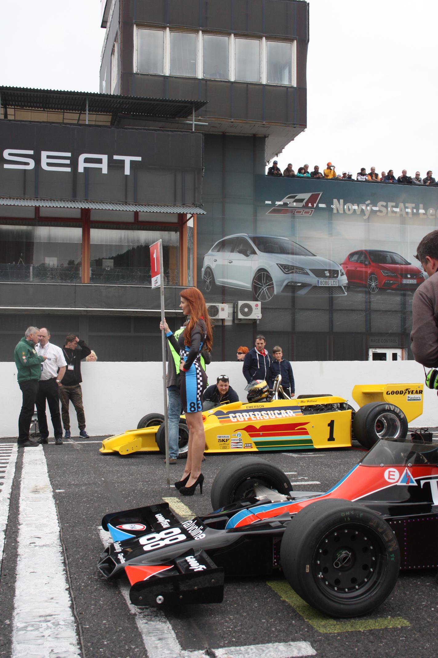 Návrat do 70. let: Shadow a Fittipaldi v 1. startovní řadě na Mosteckém okruhu