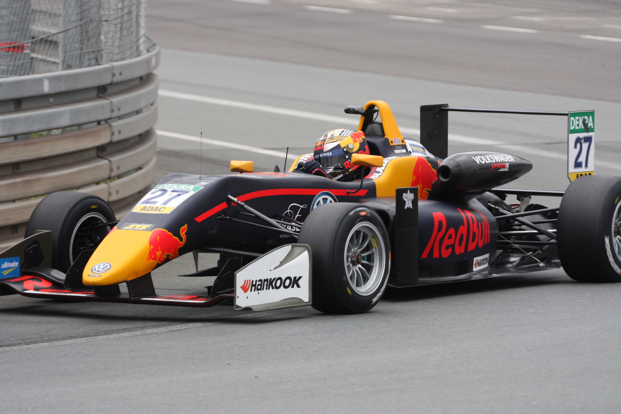 Angličan Daniel Tincktum má nejlepší předpoklady pro velkou budoucnost: Letos je jediným úspěšným juniorem Red Bullu. Na Norisringu jednou vyhrál a za Armstrongem je celkově jen o bodík druhý