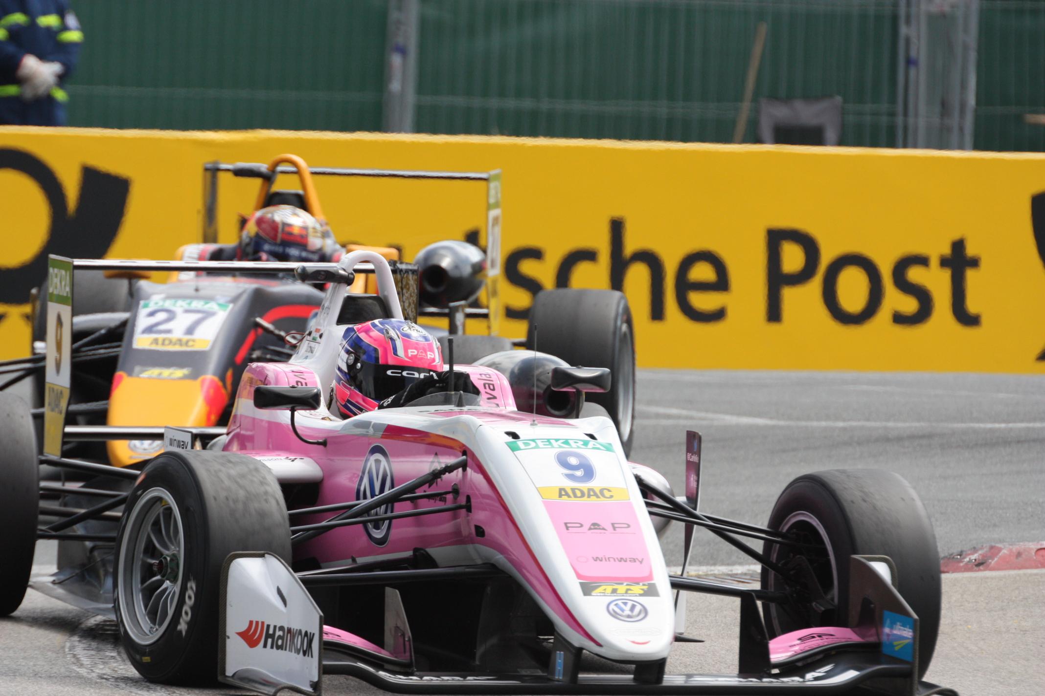Závodí již několik let v barvách Force India: Ind Jehan Daruvala občas překvapí, více ale ne